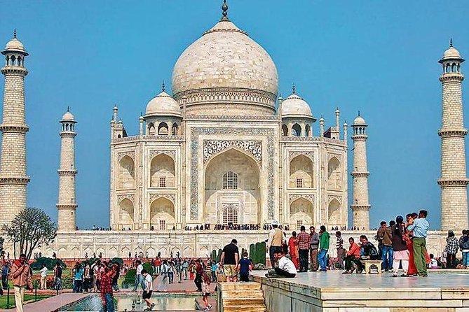 Overnight Taj Mahal Sunrise Tour with Fatehpur Sikri from Delhi