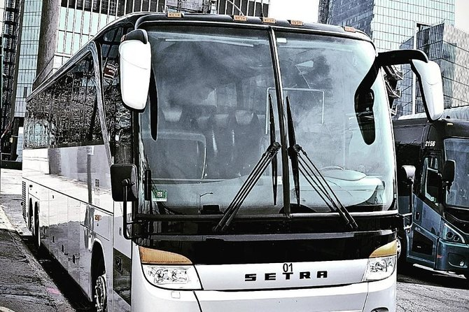 Luxury VIP New York City Airport Departure Group Transfer by Coach Bus WIFI