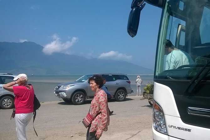 Hue private transfer to Golden Bridge in Ba Na hills theme park and Hoi An drop