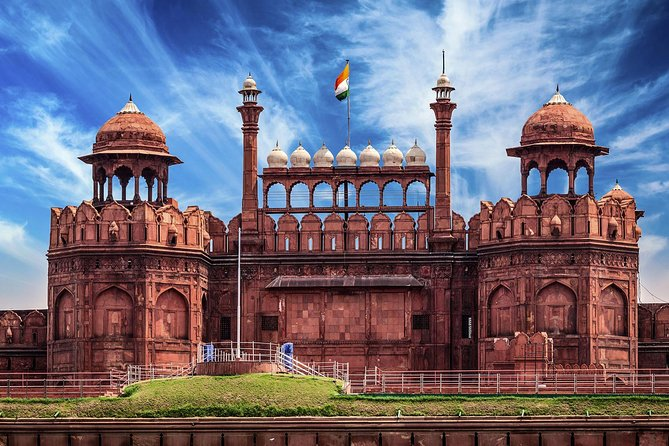 Guided Delhi Tour with Transfer services included