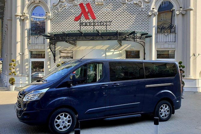 Airport Transfer Up To 8pax Mini Van