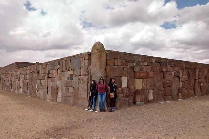 The Titikaka Lake - Tiwanaku Ruins - Full Day
