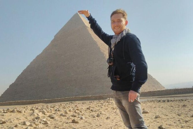 Private Giza Day Trip with Lunch from Cairo