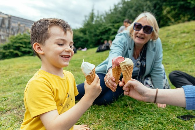 Edinburgh's Little Foodie Private Family Tour