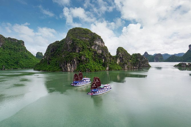 Halong Bay Small-Group Full-Day Tour by Boat with Lunch