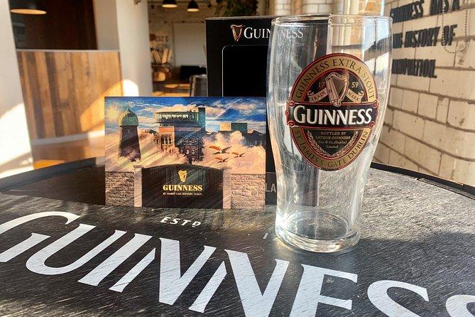 Guinness Storehouse Signature-Paket: Keine-Warteschlange-Eintritt und Geschenkbox