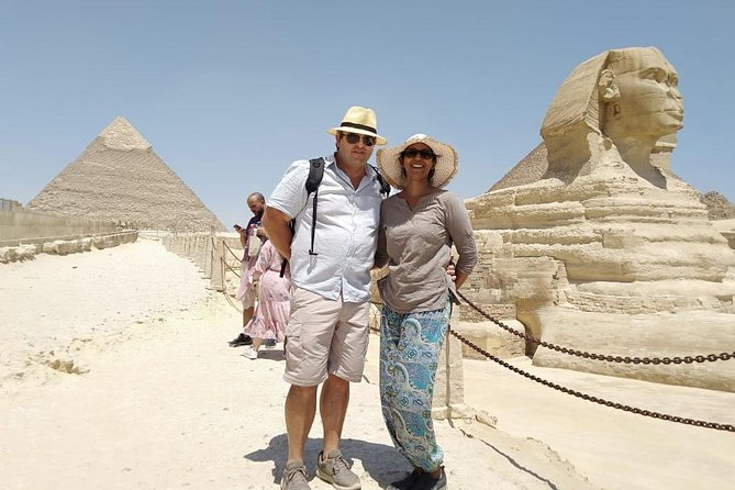 8 hours-private tour Egyptian museum Giza pyramids sphinx bazaars lunch Koshry