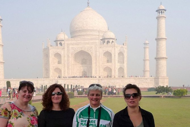 Private Taj Mahal Tour with well knowledgeable guide