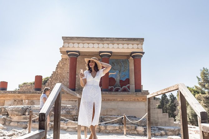 Knossos Palace: Self-Guided Audio Tour on your Phone (without ticket)