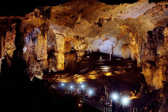 Deluxe Small Group : Phong Nha Cave-paradise Cave photo 10