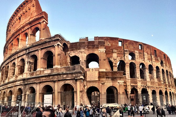 Colosseum Highlights Tour with Roman Forum & Palatine Hill