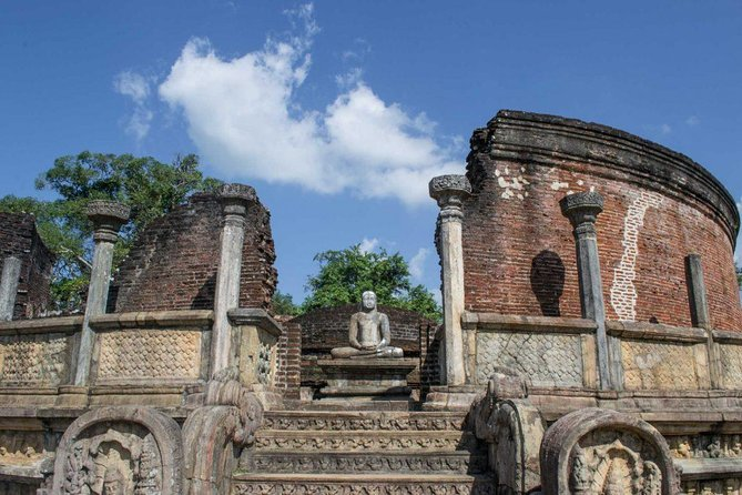 Sigiriya,Dambulla Cave and Polonnaruwa Ancient City,Day Tour From Colombo.