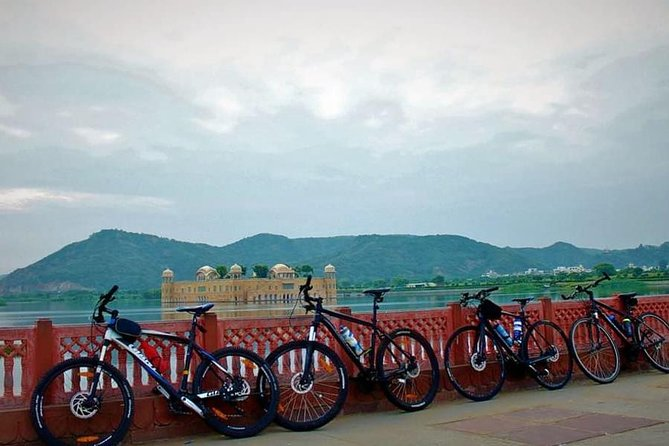 Pedal Through The Historical Nahargarh Fort - Guided Cycling Tour