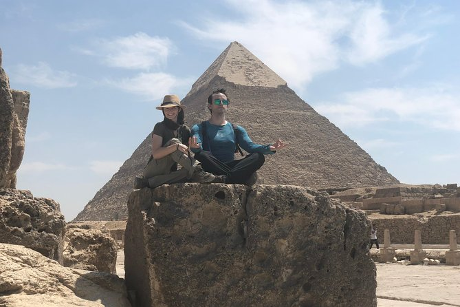 Low- Cost Guiding Tour to Pyramids of Giza & Sphinx