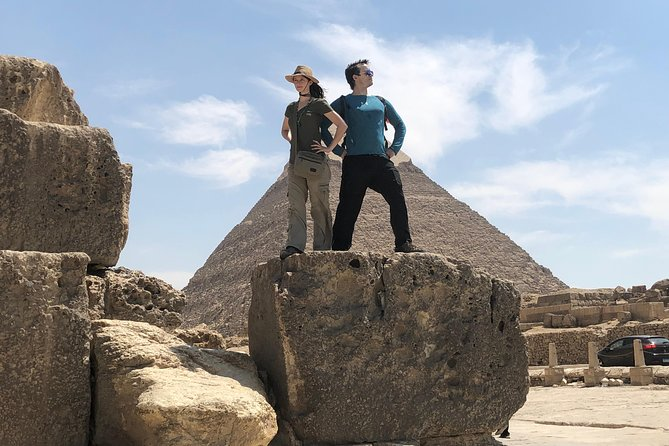 Full - Day Tour to Giza Pyramids , Cairo Museum & Bazaar Includes Lunch