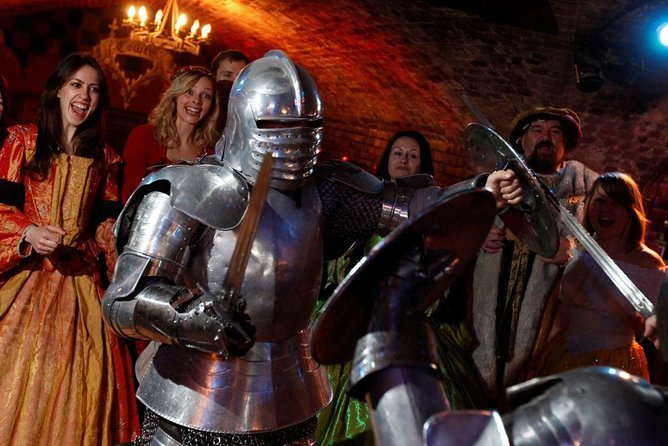 Medieval London Combi Tour : See The Southbank, Clink Prison & Medieval Banquet
