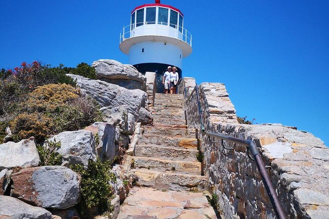 Private Cape Town Multi-Choice Chauffer Guide driven Tour for small parties.