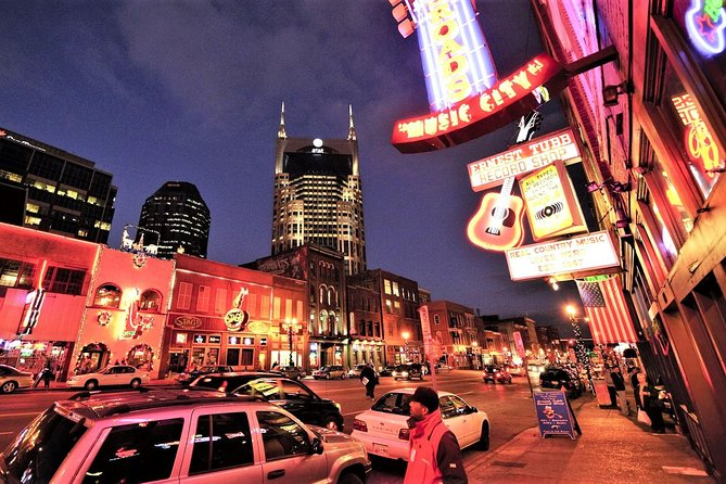 Nashville at Night Trolley Tour with Photo Stops photo 1