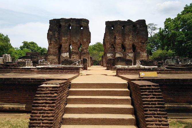 Polonnaruwa 1 Day Tour