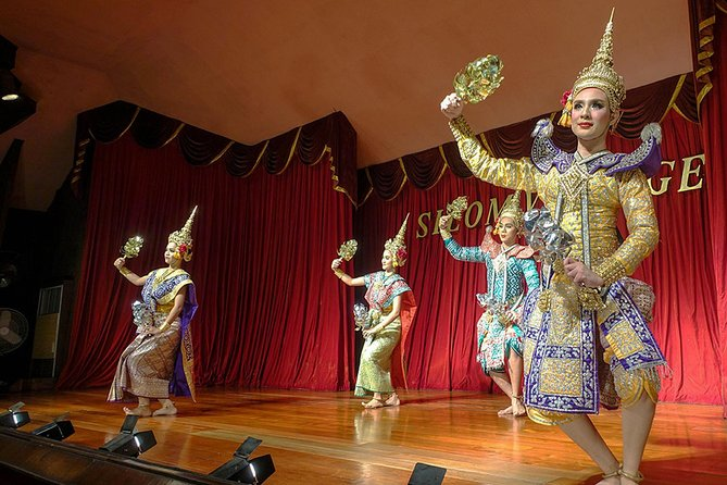 Classical Thai dinner and dance performance