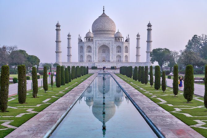 Overnight Taj Mahal Tour From Delhi