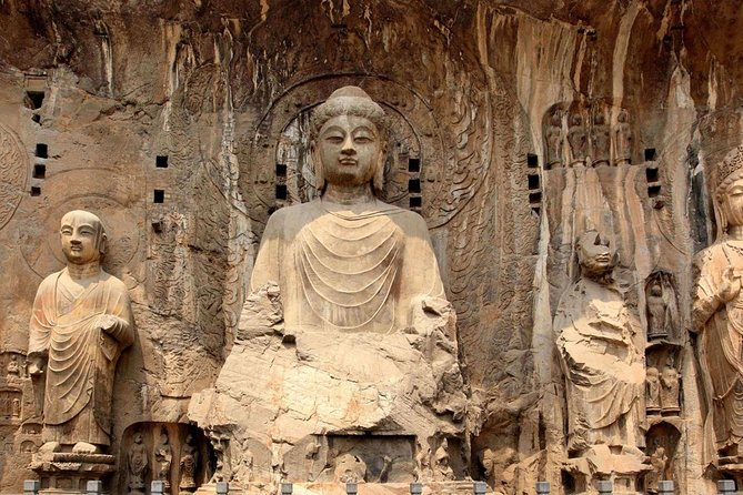 Private Luoyang Full-Day Tour: Longmen Grottoes and White Horse Temple