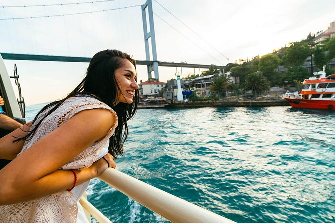 Istanbul: Hop On Hop Off Bosphour Tour
