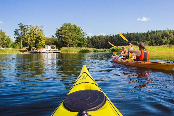 Kayaking tour around Vaxholm in Stockholm Archipelago