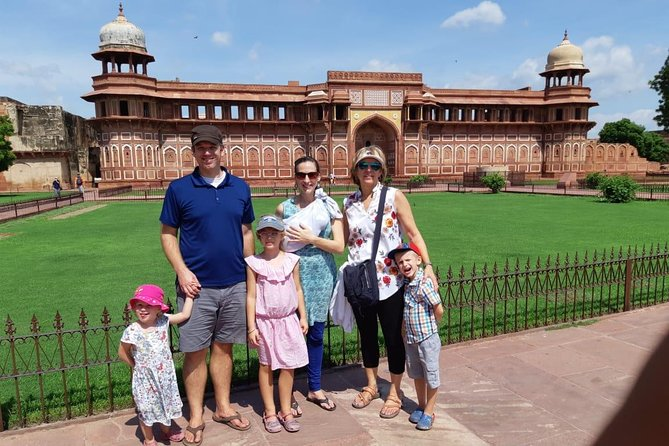 From Delhi: Taj Mahal Tour By Car with lunch at 5 star Hotel