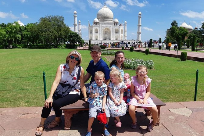 Tour Privado de Dia Inteiro no Taj Mahal e Fatehpur Sikri saindo de Delhi de carro