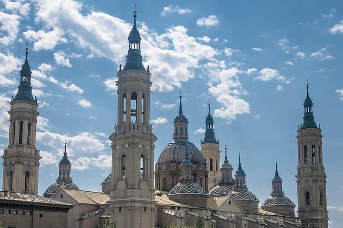 Private City Tour of Zaragoza with driver & official tour guide w/ Hotel pick up