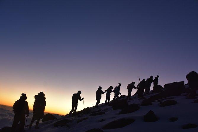 Mount Kenya Sirimon - Chogoria Route(5 Days)
