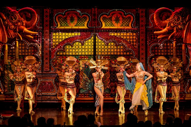 Skip the Line: Moulin Rouge Show with Exclusive VIP Seating and 4-Course Dinner, Paris, FRANCIA