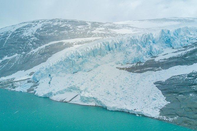 Flight to the Svartisen glacier