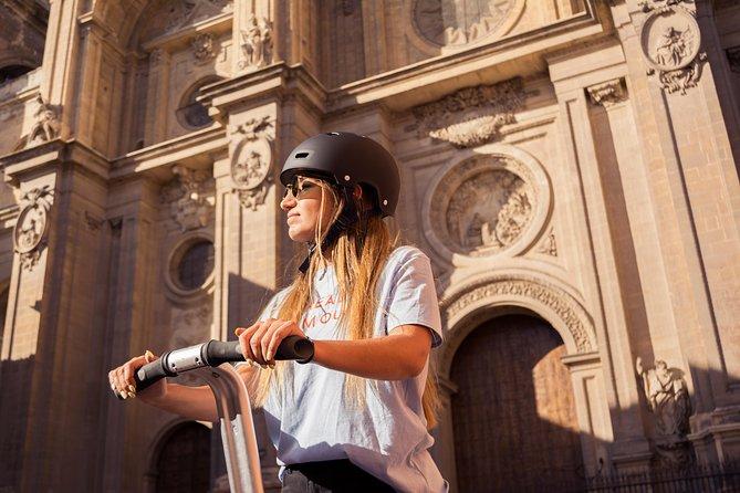 Granada: Alhambra, Abadia, Albaicin 3 hour historical tour