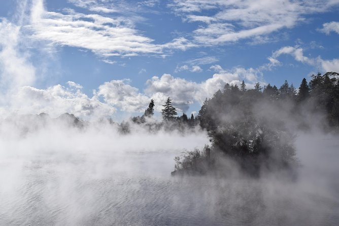 Day Trip to Maori Village and Geothermal Rotorua with Lunch