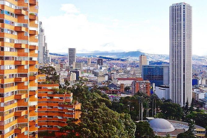 Bogota Historical Center and Monserrate Private City Tour BILINGUAL GUIDE