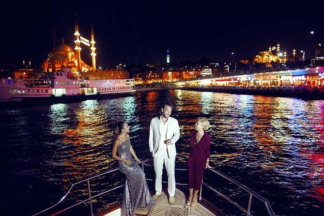 All Inclusive Moonlight Dinner Cruise on The Bosphorus
