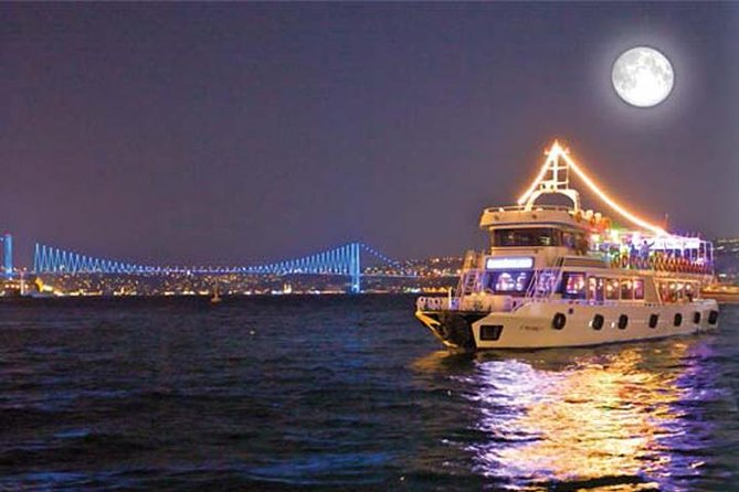 All Inclusive Moonlight Dinner Cruise no Bósforo
