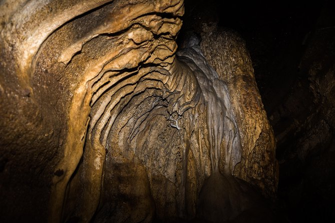 Explore Pannila Cave from Colombo (Private Day Tour) photo 7