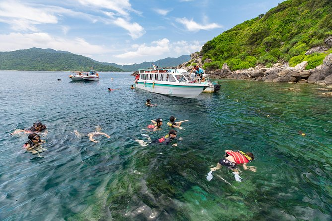 Cham Island Discover & Snorkeling from Hoi An with group tour