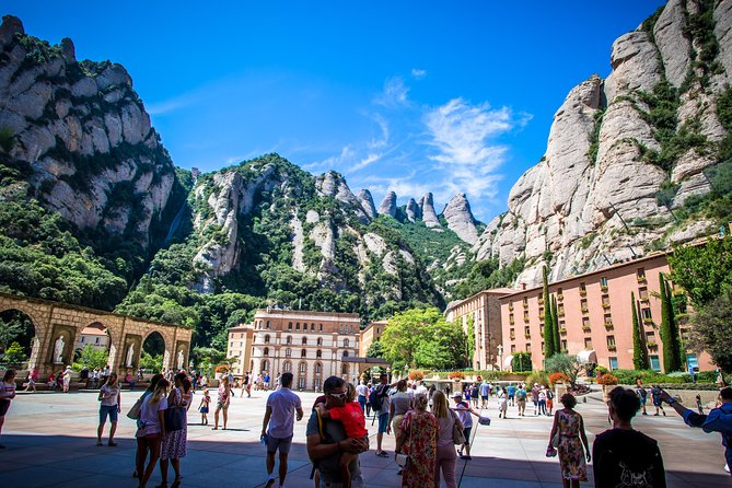Private Montserrat Monastery with Wine and Cava Tasting Day Trip from Barcelona