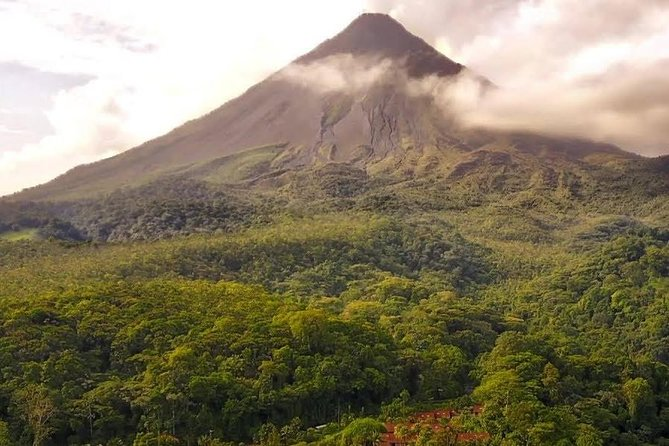 Private Transfer from Puerto Viejo to Arenal