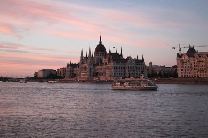 Budapest Danube River Evening Sightseeing Cruise by Legenda City Cruises photo 8