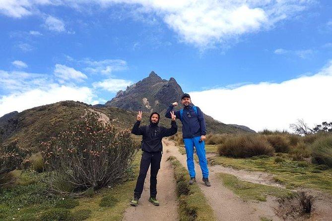 TeleferiQo + Ruco Pichincha - TREKKING