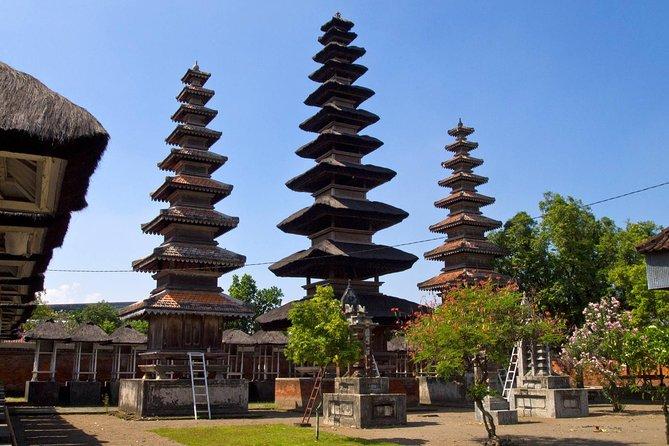 Lombok Sunset Tour: Pura Lingsar Temple, Malimbu Hill and Monkey Forest