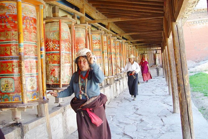 7-Day Silk Road Tour from Xi'an to Lanzhou and Xiahe, Private No Shopping Trip