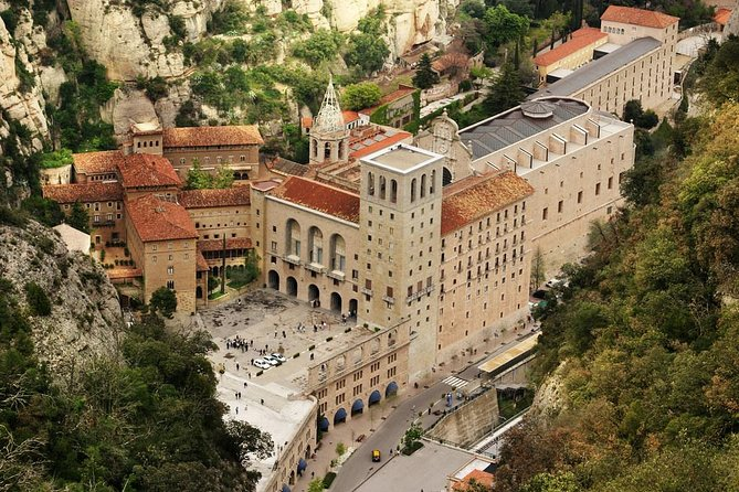 Private Montserrat Tour from Barcelona with driver and official guide w/ pick up