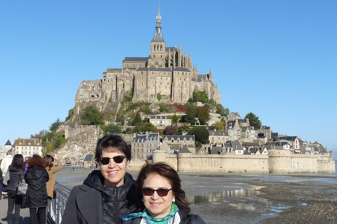 Day-trip with personal guide in Mont Saint-Michel from Paris with private car