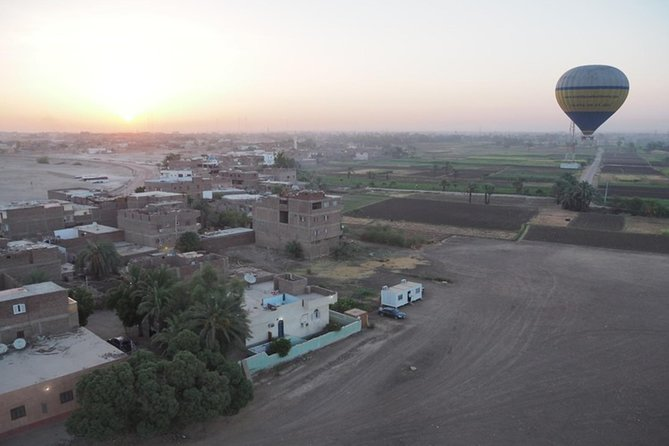 Luxor: Sunrise Hot Air Balloon Ride and West Bank Tour